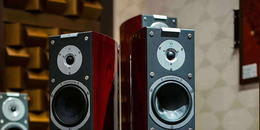 5 Best Floor Standing Speakers under $1000